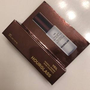 NWT Hourglass Veil Mineral Primer